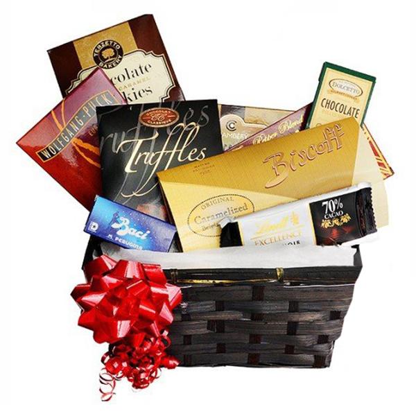 Sweet Gourmet Gift Basket I buy at Florist